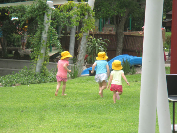 Rainbow Vallery Kindergarten Gladstone playing outside